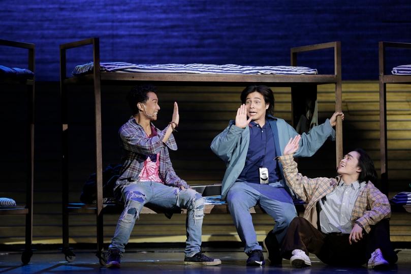 High fives. (L-R) Nicco Manalo, Reb Atadero and Lance Reblando make a pact in Ang Huling El Bimbo